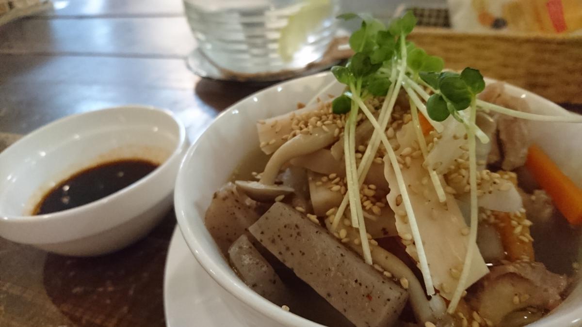 鶏もも肉と根菜のあっさりスープ煮のプレート 20 -3