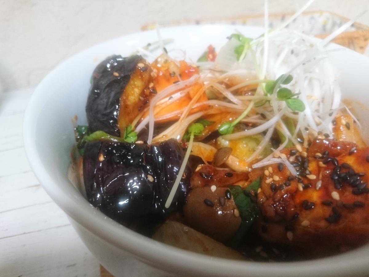 ナスと豚肉の辛味噌炒め丼 25 -1