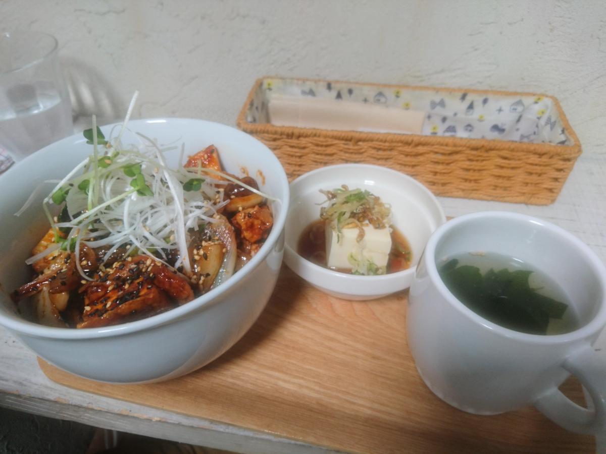 ナスと豚肉の辛味噌炒め丼 25 -3