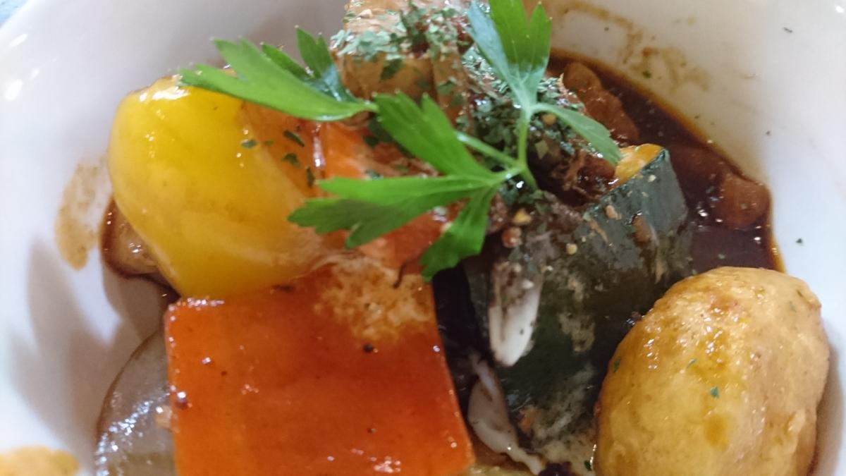 豚バラと野菜のデミグラスソース煮のプレート 65 -1