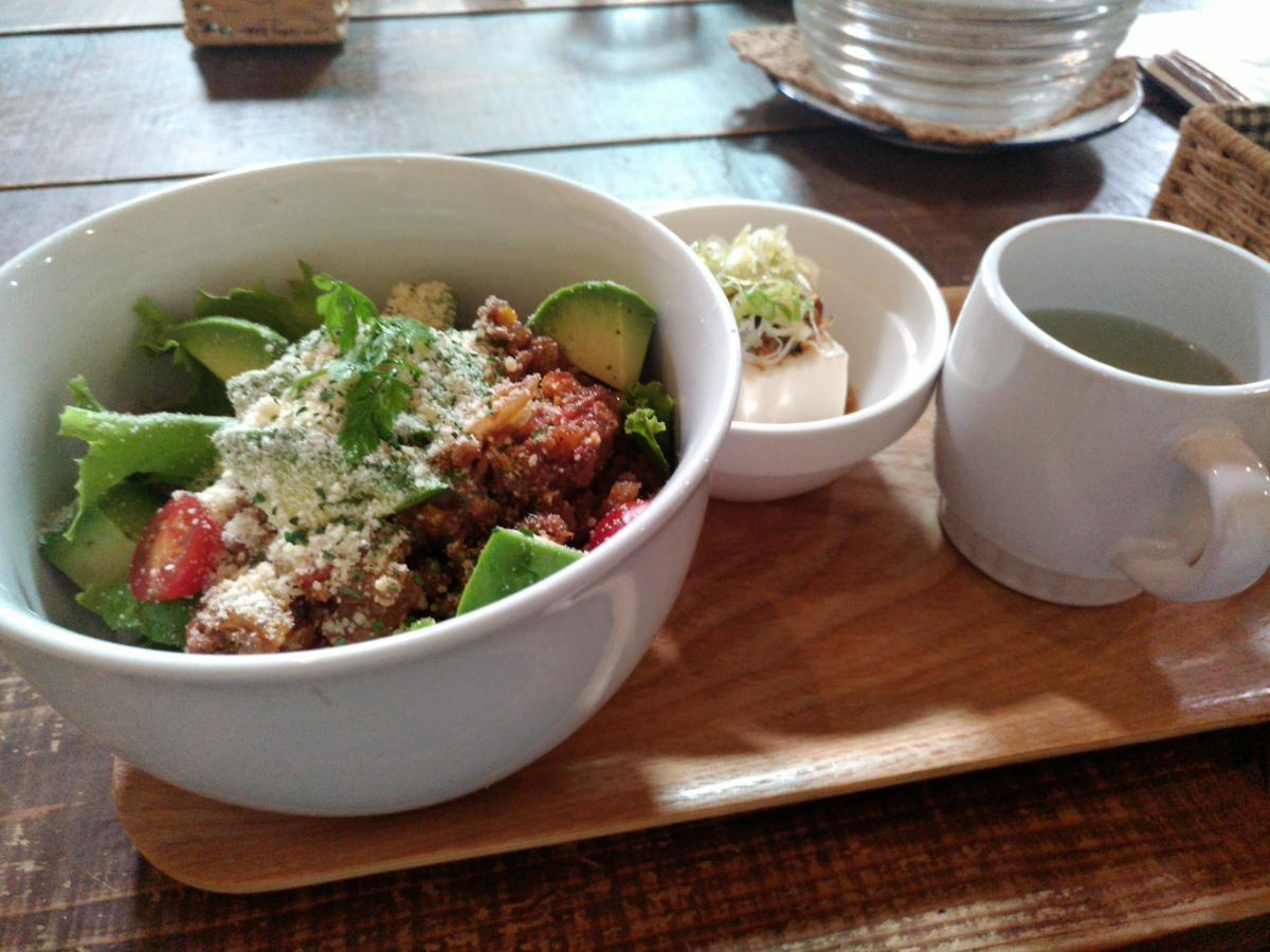 アボカドとひき肉のタコライス丼 72 -2