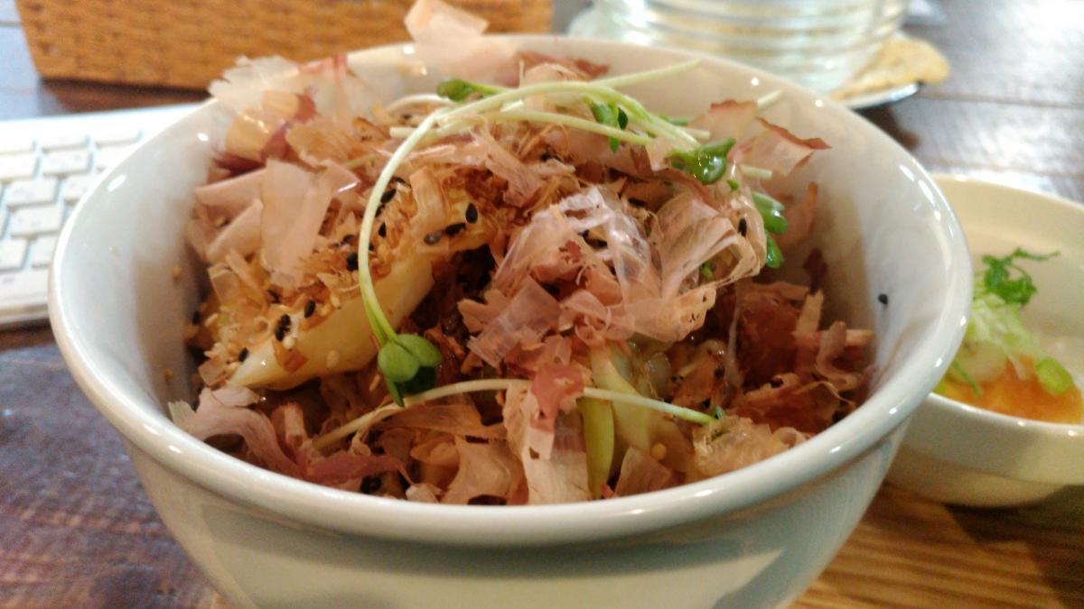 豚肉とキャベツの和風おかか丼 80 -3